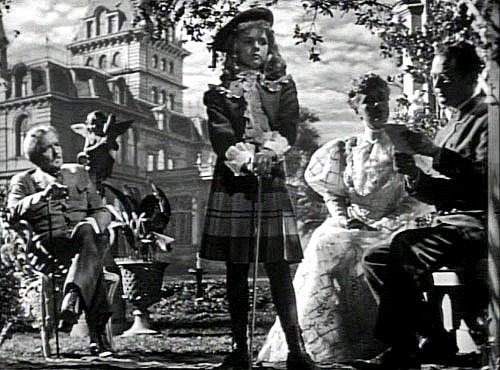 orson welles the magnificent ambersons Directed by orson welles, fred fleck, robert wise with tim holt, joseph cotten, dolores costello, anne baxter  there are three alternate version to the magnificent ambersons, none exist any more: the original version, welles' first cut is the only one that has any type of record that exists it was 132 minutes long.